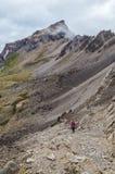 Gruppo di alpinisti che fanno un'escursione nelle alpi di Lechtal, Tirolo del nord, Austria Fotografia Stock Libera da Diritti