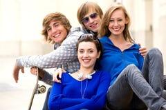 Gruppo di amici adolescenti Immagine Stock