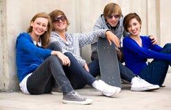 Gruppo di amici adolescenti Fotografie Stock