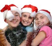 Gruppo di amici felici che celebrano il Natale fotografie stock