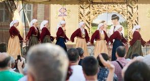 Gruppo di ballare georgiano dei ballerini delle donne Fotografie Stock Libere da Diritti