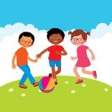 Gruppo di bambini che giocano con una palla illustrazione di stock