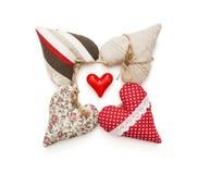 Gruppo di bei cuori del biglietto di S. Valentino su un fondo bianco Fotografia Stock