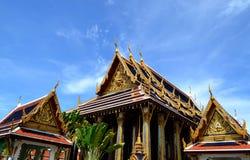 Gruppo di chiesa e di padiglione tailandesi immagine stock