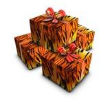 Gruppo di colore rosso del nastro della tigre del regalo della casella su bianco Fotografia Stock