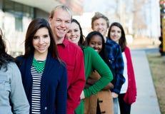 Gruppo di diversi studenti fuori Fotografia Stock