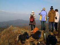 Gruppo di escursione della gente Fotografie Stock Libere da Diritti