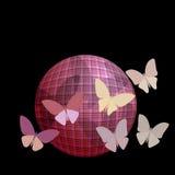 Gruppo di farfalle vicino alla palla su una parte posteriore del nero Fotografia Stock Libera da Diritti