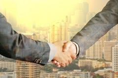 Gruppo di gente di affari che si incontra che stringe insieme le mani, Immagine Stock Libera da Diritti