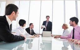 Gruppo di gente di affari alla riunione Fotografie Stock Libere da Diritti