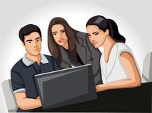 Gente di affari che per mezzo del computer portatile Immagine Stock