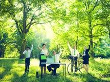 Gruppo di gente di affari con la natura Fotografia Stock