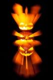 Gruppo di lanterne impilate di Halloween Jack o con fondo nero immagini stock libere da diritti