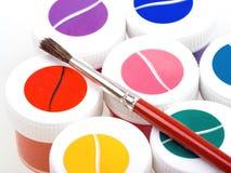 Gruppo di latte variopinte della vernice con la spazzola Fotografia Stock