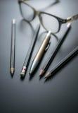 gruppo di matite sul fuoco alla gomma di matita, concetto s della lavagna Fotografia Stock Libera da Diritti