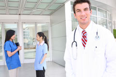 Gruppo di medici attraente Fotografia Stock Libera da Diritti