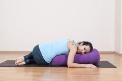 Gruppo di meditazione di yoga Immagini Stock