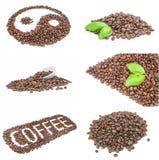 Gruppo di mucchio dei chicchi di caffè arrostiti sopra un fondo bianco Fotografie Stock Libere da Diritti