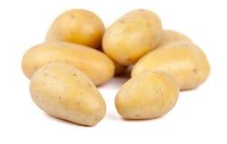 Gruppo di patate isolate in un cerchio Immagini Stock