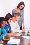 Gruppo di persone gli studenti Immagini Stock