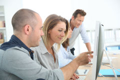 Gruppo di persone nell'addestramento di affari Immagine Stock