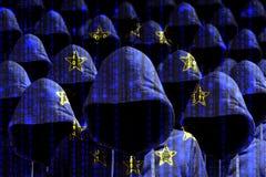 Gruppo di pirati informatici incappucciati che splendono tramite una bandiera europea digitale Fotografia Stock Libera da Diritti