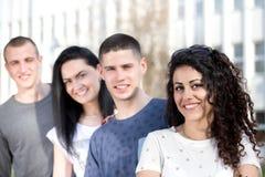 Gruppo di posa degli studenti Fotografie Stock