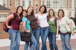 Gruppo di ragazze di istituto universitario fotografie stock