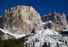 Gruppo di Sella nelle montagne della dolomia nell'inverno Immagine Stock