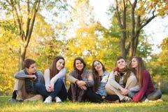 Gruppo di studenti con l'insegnante Immagini Stock Libere da Diritti