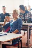 Gruppo di studenti con l'insegnante su classe Fotografia Stock Libera da Diritti