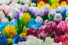 Gruppo di tulipani di legno variopinti Immagine Stock Libera da Diritti