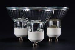 Gruppo di verticale nessun lampadine del LED GU10, lampade contro un backg nero Immagine Stock Libera da Diritti