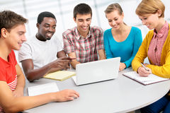 Gruppo internazionale di studenti Immagini Stock