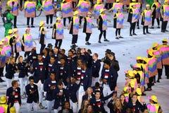 Gruppo olimpico U.S.A. di pallacanestro che marcia allo stadio di Maracana durante la cerimonia di apertura 2016 di Rio Fotografie Stock Libere da Diritti