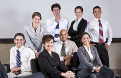 Gruppo principale dell'ufficio della donna di affari ispanica matura immagini stock