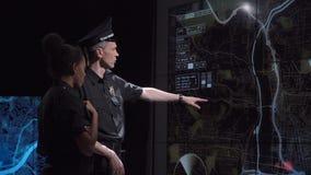 Gruppo speciale di risposta della polizia in ufficio futuristico archivi video