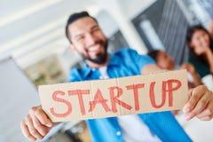 Gruppo Start-up nella riunione nell'ufficio Fotografie Stock