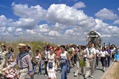 Gruppståenden av vallfärdar, El Rocio, Andalusia Royaltyfria Bilder