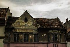 Gruseliges Haus Kronstadt voll Stockfotografie