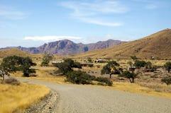 Grusväg i Namibia royaltyfri bild