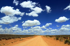 Grusväg till den Chaco kanjonen som är ny - Mexiko Arkivfoton