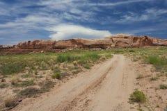 Grusvägar runt om bluff, Utah royaltyfri fotografi