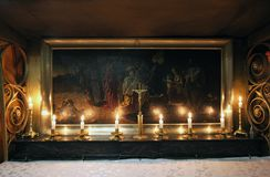 Gruta da natividade A basílica da natividade em Bethlehem foto de stock royalty free
