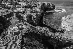 A gruta na grande estrada do oceano Fotos de Stock Royalty Free