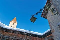 Gruyeres城堡的画廊在一个晴朗的冬日 免版税库存图片