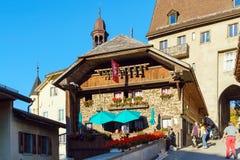 Gruyeres, Швейцария - 18-ое октября 2017: Средневековые замок и ol Стоковые Фото