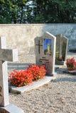 GRUYERES, SUIZA - 8 DE SEPTIEMBRE: cementerio en Gruyeres Fotos de archivo libres de regalías