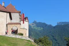 GRUYERES, SUIZA - 8 DE SEPTIEMBRE: El castillo francés Gruyeres, buil Imágenes de archivo libres de regalías