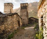 Gruziński Svaneti i ruina defensywnego systemu średniowieczny wiek górujemy Zdjęcia Royalty Free
